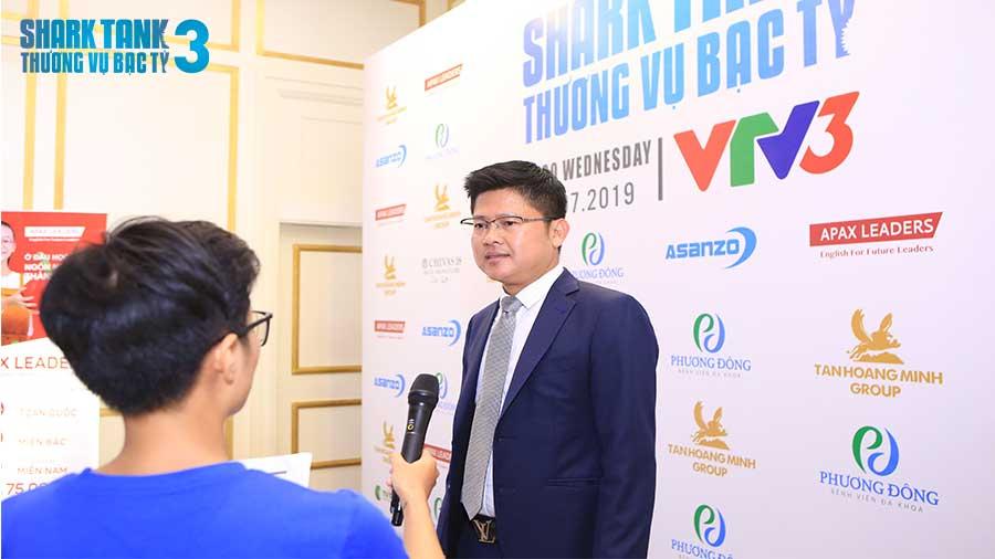nhin-vao-cach-founder-tra-l-ng-cho-ban-than-ho-shark-dzung-se-quyet-dinh-dau-t-hay-khong